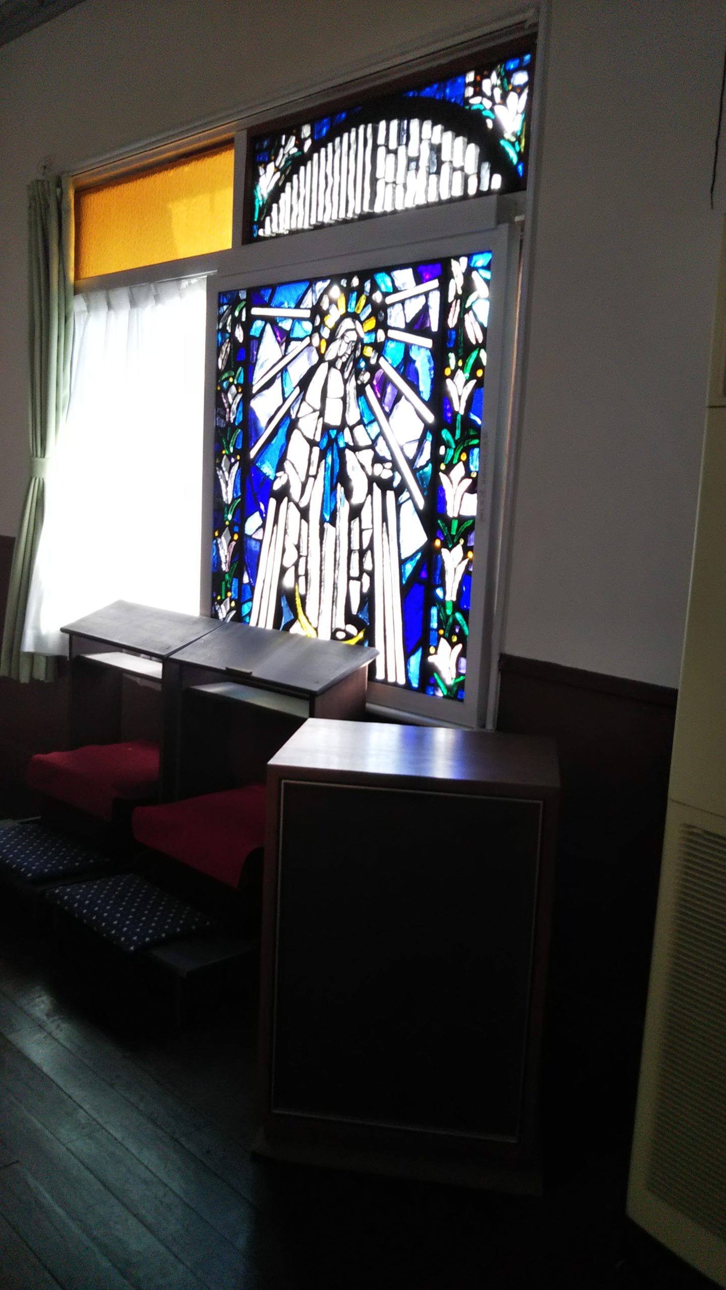 カトリック大津教会 ステンドグラス