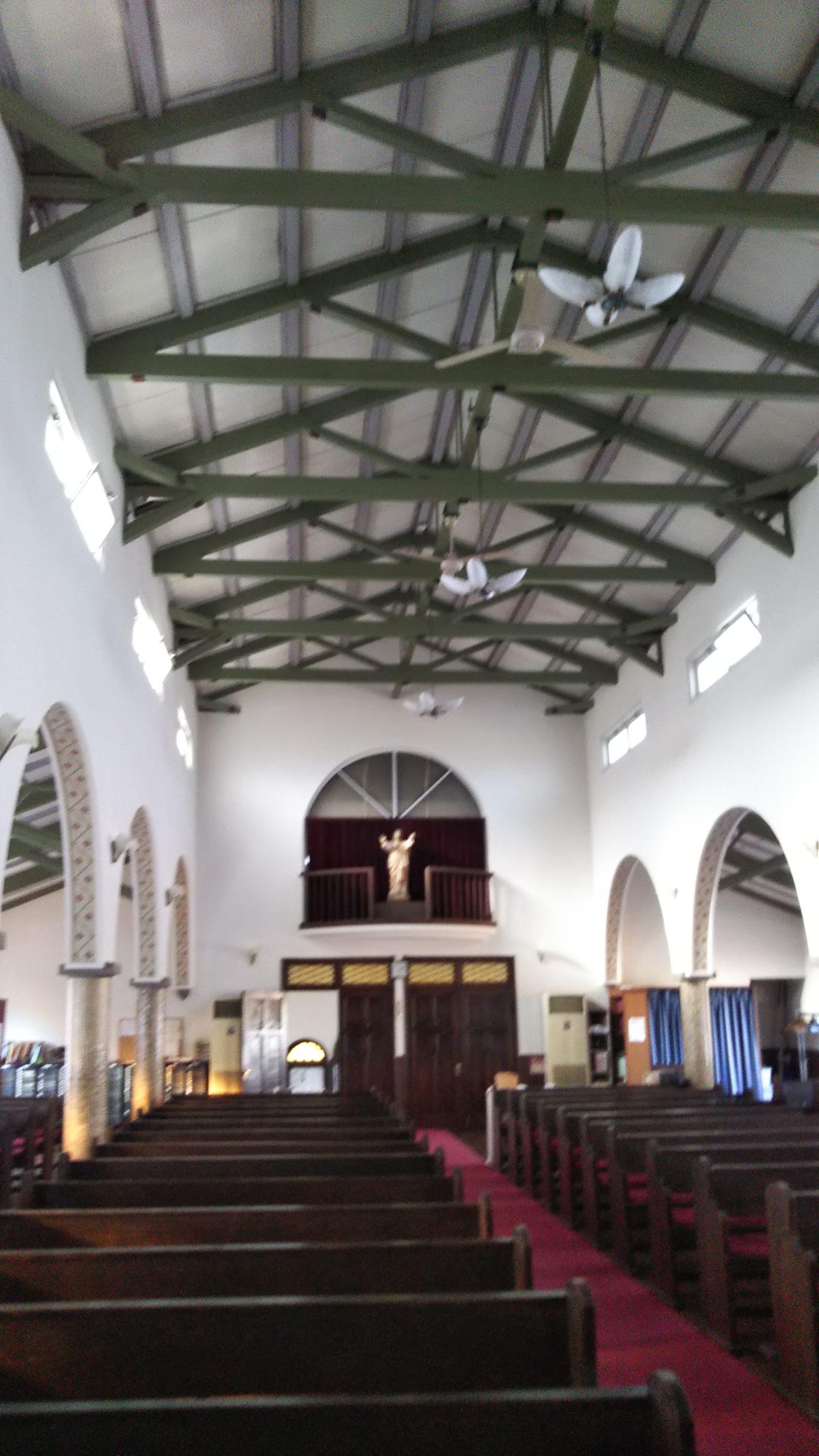 カトリック大津教会 内部